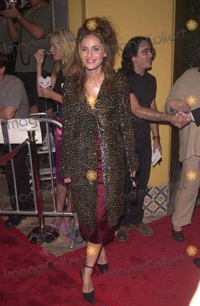 Amy Brenneman Photo -  Amy Brenneman at the premiere of Hollow Man in Westwood 08-02-00