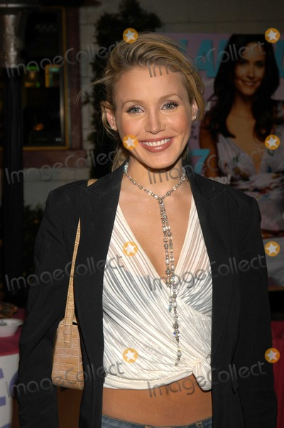 Amanda Swiston Photo - Amanda Swiston at Glamour Magazine Dont Party Shakeys Pizza Los Angeles Calif 05-08-03
