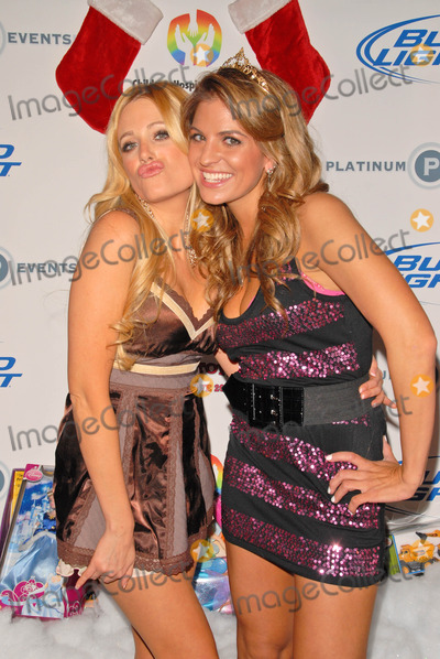 Holly King Photo - Holly King and Bridgetta Tomarchioat Bridgetta Tomarchio B-Day Bash and Babes in Toyland Toy Drive Lucky Strike Hollywood CA 12-04-09