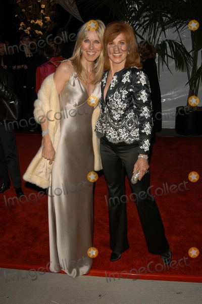 Stephanie Powers Photo - Alana Stewart and Stephanie Powers at the ABCs 50th Anniversary Celebration After-Party Pantages Theater Hollywood CA 03-16-03
