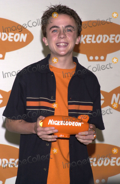 Frankie Muniz Photo -  Frankie Muniz at Nickelodeons 14th Annual Kids Choice Awards Barker Hanger 04-21-01