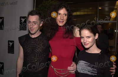 Alan Cumming Photo -  Alan Cummings and Jennifer Jason Leigh at Project Angelfoods 8th Annual Divine Design Gala in Beverly Hills 11-30-00