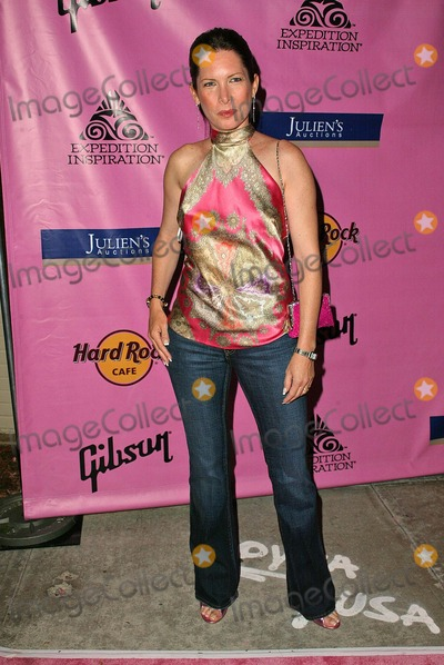 Annie Bierman Photo - Annie Biermanat Rock The Cure to raise funds for the Expedition Inspiration Fund for Breast Cancer Hard Rock Cafe Los Angeles CA 05-03-05
