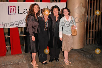 Kelly ODonnell Photo - Peri Gilpin Kelli Carpenter ODonnell Rosie ODonnell and Megan Mullally at the Lambda Legal Liberty Awards at the Egyptian Theatre Hollywood CA 09-30-04