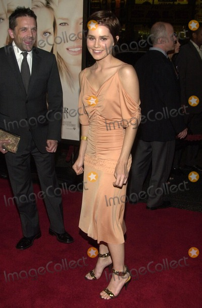 Alison Lohman Photo - Alison Lohman at the premiere of Warner Bros White Oleander at the Chinese Theater Hollywood CA 10-08-02