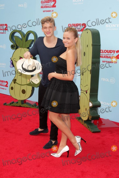 Ali Simpson Photo - Cody Simpson Ali Simpsonat the Cloudy With A Chance of Meatballs 2 Los Angeles Premiere Village Theater Westwood CA 09-21-13
