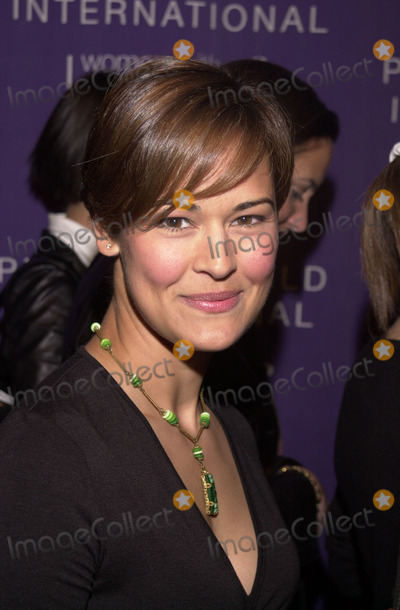 Sydney Penny Photo - Sydney Penny at Platinum Gold Internationals Women With Heart jewelry auction to benefit several charities Sothebys Beverly Hills 02-12-02