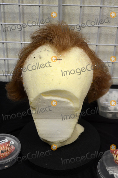 Alec Gillis Photo - Pennywise WigMake-Up Artist Magazine and Creature Features present Creating Pennywise from Stephen Kings IT including an unveiling of a Pennywise Stataue by Special Effect Masters Tom Woodruff Jr and Alec Gillis Creature Features Burbank CA 10-14-17