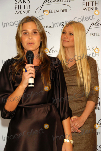 Aerin Lauder Photo - Aerin Lauder and Gwyneth Paltrowat an in store appearance to promote her Estee Lauder line Pleasures by Gwyneth Paltrow Saks Fifth Avenue Beverly Hills CA 09-20-06