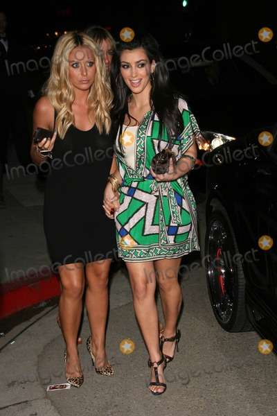 Aubrey ODay Photo - Aubrey ODay and Kimberly Kardashian at the Kritik Clothing Party Lisa Kline Beverly Hills CA 04-10-08