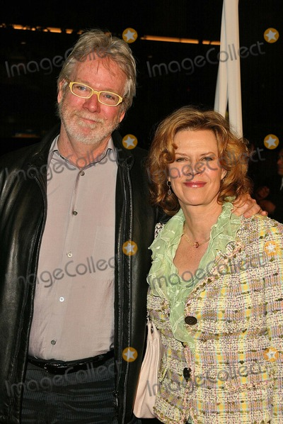 John Pasquin Photo - John Pasquin and Jobeth Williams at the Premiere of Warner Bros Miss Congeniality 2 Armed and Fabulous Chinese Theater Hollywood CA 03-23-05
