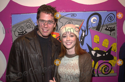 Alexis Denisof Photo - Alyson Hannigan and Alexis Denisof at the art reception for artist Puss at the Coleman Gallery West Hollywood 11-03-01