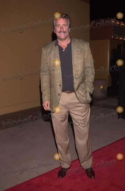 Lee Horsley Photo -  Lee Horsley at the Latin and ballroom dance show Burn The Floor in Universal City 03-30-00