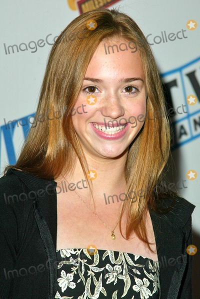 Andrea Bowen Photo - Andrea Bowen at the TV Milestones Cocktail Reception at the Museum of Television and Radio Beverly Hills CA 09-09-04