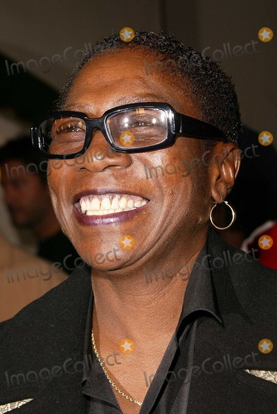 Tupac Photo - Afeni Shakur at the premiere of Paramount Pictures Tupac Resurrection at the ArcLight Theaters Hollywood CA 11-04-03