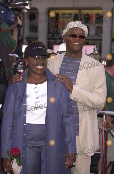 Samuel Jackson Photo - Samuel L Jackson with wife LaTanya at the premiere of Stars Wars Episode II Attack of the Clones at the Chinese Theater Hollywood 05-12-02