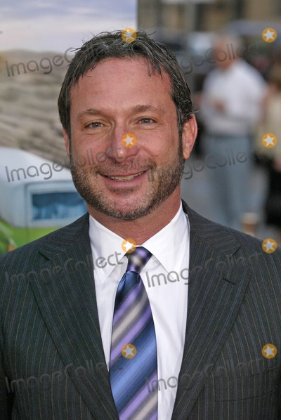 Alan Poul Photo - Alan Poulat the Los Angeles Premiere of Six Feet Under Graumans Chinese Theater Hollywood CA 05-17-05