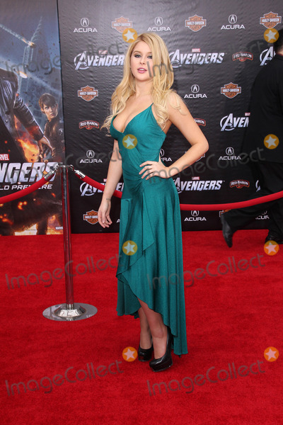 Renee Olstead Photo - Renee Olsteadat the Marvels The Avengers Los Angeles Premiere El Capitan Theatre Hollywood CA 04-11-12