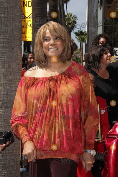 Claudette Robinson Photo - Claudette Robinsonat The Funk Brothers Star on the Hollywood Walk of Fame Hollywood CA 03-21-13