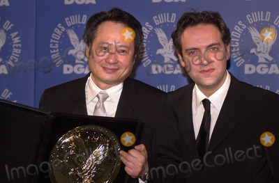 Ang Lee Photo -  Ang Lee and Sam Mendes at the 53rd Annual Directors Guild Awards Century Plaza Hotel 03-10-01