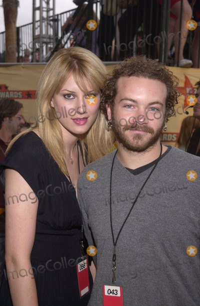 Danny Masterson Photo -  Danny Masterson and date at the 2001 MTV Movie Awards Shrine Auditorium Los Angeles 06-02-01