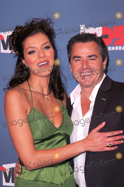 Adrianne Curry Photo - Adrianne Curry and Christopher Knightat the VH1s Big in O5 Awards Sony Studios Culver City CA 12-3-05