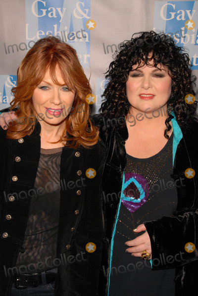 Ann Wilson Photo - Nancy Wilson and Ann Wilsonat the LA Gay and Lesbian Centers An Evening With Women Celebrating Art  Music and Equality Beverly Hilton Hotel Beverly Hills CA 05-01-10