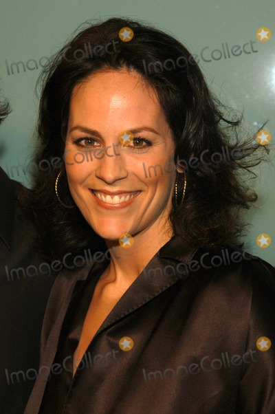 Annabeth Gish Photo - Annabeth Gish at the premiere of Paramount Pictures How To Lose A Guy In 10 Days at the Cinerama Dome Hollywood CA 01-27-03