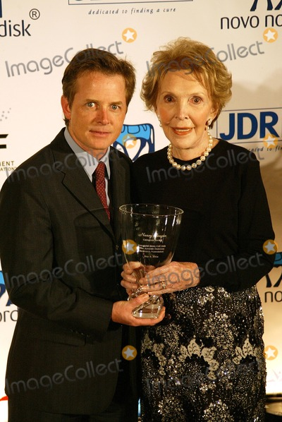 Juvenile Photo - Michael JFox and Nancy Reagan at the Novo Nordisk Finding A Cure  A Love Story Gala thrown by the Juvenile Disbetes Research Foundation Beverly Hilton Hotel Beverly Hills CA 05-08-04