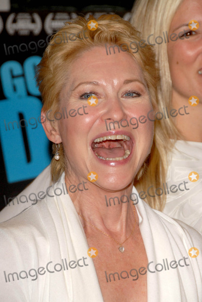 Dee Wallace Stone Photo - Dee Wallace Stoneat the Los Angeles Premiere of Gotta Dance Linwood Dunn Theatre Hollywood CA 08-13-09