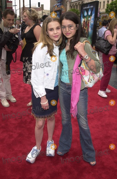 Alia Shawkat Photo - Mae Whitman and Alia Shawkat at the premiere of Warner Brothers Scooby Doo at the Chinese Theater Hollywood 06-08-02