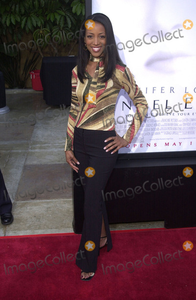 Angel Eyes Photo -  Shaun Robinson at the premiere of Warner Brothers Angel Eyes at the Egyptian Theater Hollywood 05-15-01