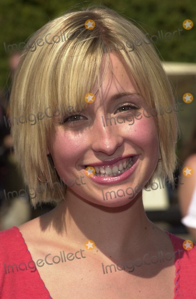 Allison Mack Photo - Allison Mack at the 2002 Teen Choice Awards Presented by Fox at the Universal Amphitheater Universal City CA 08-04-02