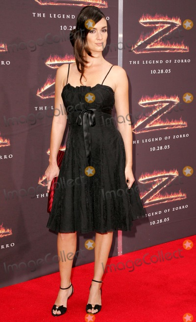 Paz Vega Photo - Paz Vegaat the premiere of The Legend of Zorro Orpheum Theater Los Angeles CA 10-16-05