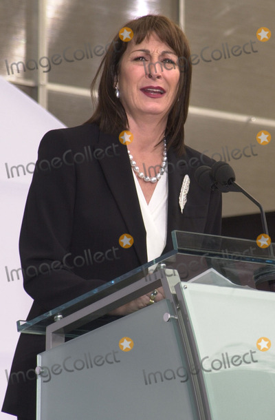 Angelica Huston Photo - Angelica Huston at the grand opening of Hollywood  Highland including the Kodak Theater Hollywood 11-09-01