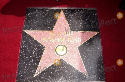 KC  the Sunshine Band Photo - Star of KC and The Sunshine Band at KC and The Sunshine Band induction ceremony into Hollywoods Walk of Fame Hollywood Blvd CA 08-02-02