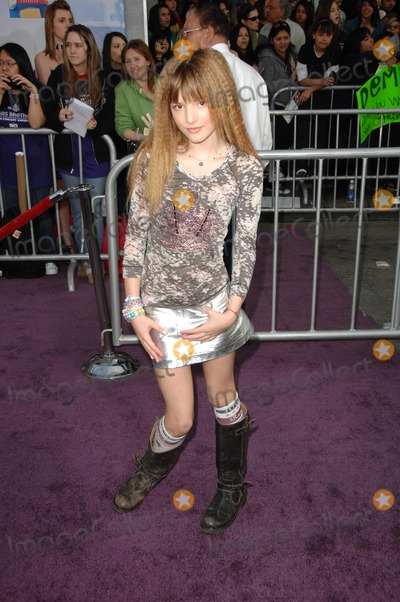 Bella Thorne Photo - Bella Thorneat the Los Angeles Premiere of Jonas Brothers the 3D Concert Experience El Capitan Theatre Hollywood CA 02-24-09