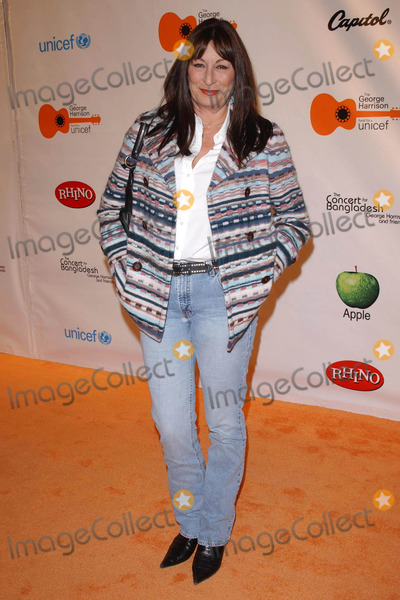 Angelica Huston Photo - Angelica Hustonat the Concert for Bangladesh Revisited with George Harrison and Friends Documentary Gala Warner Bros Studio Burbank CA 10-19-05
