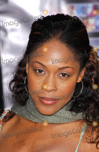 Monica Calhoun Photo - Monica Calhounarriving at the BET 25th Anniversary Show celebrating 25 years of BET Shrine Auditorium Los Angeles CA 10-26-05