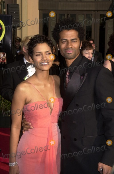 Halle Berry Photo - Halle Berry and Eric Benet at the 9th Annual Screen Actors Guild Awards arrivals Shrine Auditorium Los Angeles CA 03-09-03