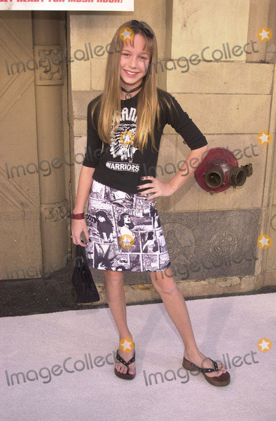 Brie Larson Photo - Brie Larson at the premiere of Disneys Snow Dogs at the El Capitan Theater Hollywood 01-13-02
