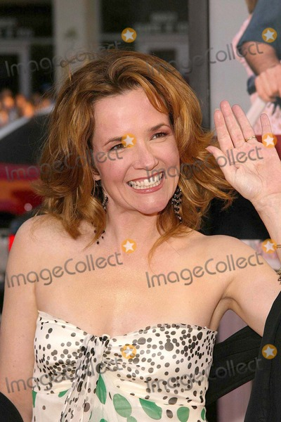 Lea Thompson Photo - Lea Thompson at Warner Brothers The Whole Ten Yards Premiere in Graumans Chinese Theatre Hollywood CA 04-07-04