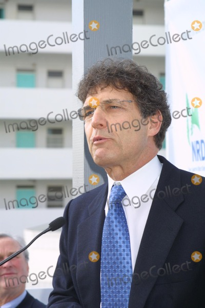 Alan Horn Photo - Alan Horn at the opening of the NRDCs Green Building named for Robert Redford Santa Monica CA 11-14-03