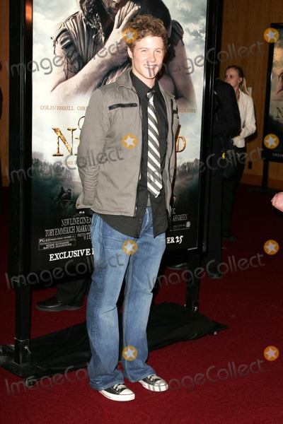 Ashton Holmes Photo - Ashton Holmesat the premiere of The New World Academy of Motion Picture Arts and Sciences Beverly Hills CA 12-15-05
