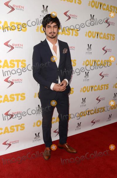 Avan Jogia Photo - Avan Jogiaat The Outcasts Premiere Landmark Regent Theater Westwood CA 04-13-17