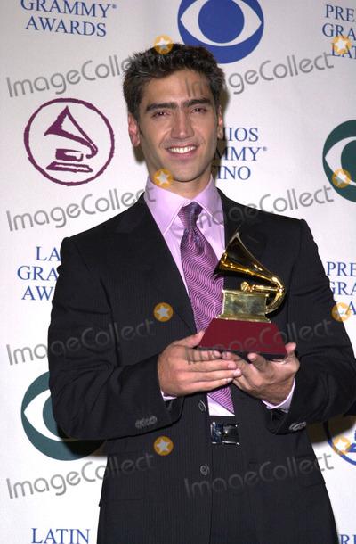 Alejandro Fernandez Photo -  Alejandro Fernandez at the 2000 Latin Grammy Awards Los Angeles 09-14-00