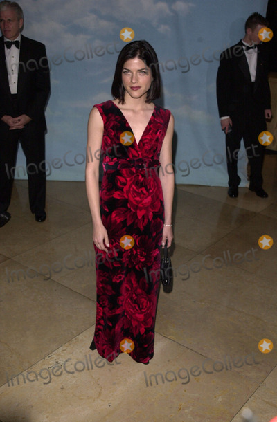 Selma Blair Photo -  Selma Blair at the Carousel Of Hope charity gala benefitting the Barbara Davis Center for Childhood Diabetes Beverly Hills 10-28-00
