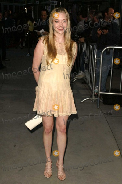 Amanda Seyfried Photo - Amanda Seyfried at Paramount Pictures World Premiere of Mean Girls in the Cinerama Dome Hollywood CA 04-19-04