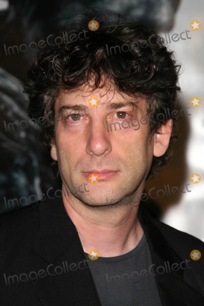 Neil Gaiman Photo - Neil Gaimanat the Los Angeles Premiere of Beowulf Westwood Village Theater Westwood CA 11-05-07