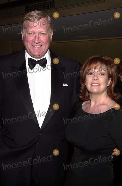 Genesis Photo - Ken Howard and wife Linda at the 2002 Genesis Awards presented by the Ark Trust honoring media who have spotlighted important animal issues  Beverly Hilton Hotel 03-16-02